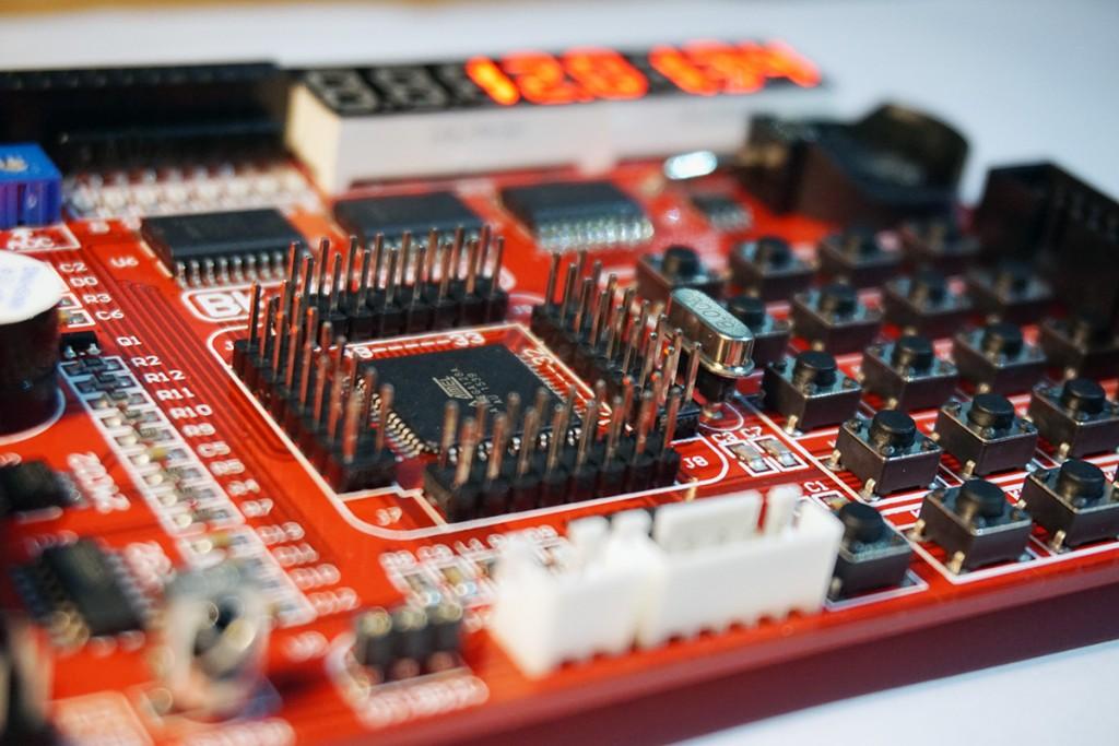 Kit phát triển AVR BK-AVR128 sử dụng chip ATMega128A